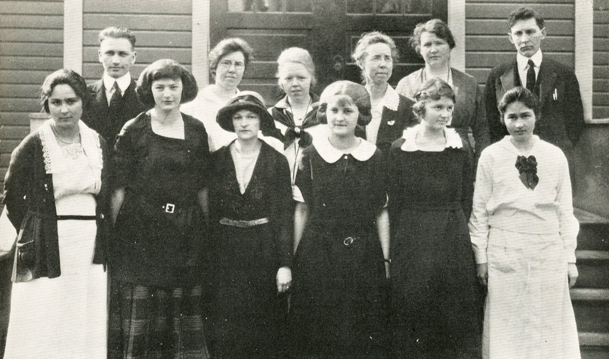 Students in Eta Pi Alpha (i.e., the Teachers Club) in about 1921.
