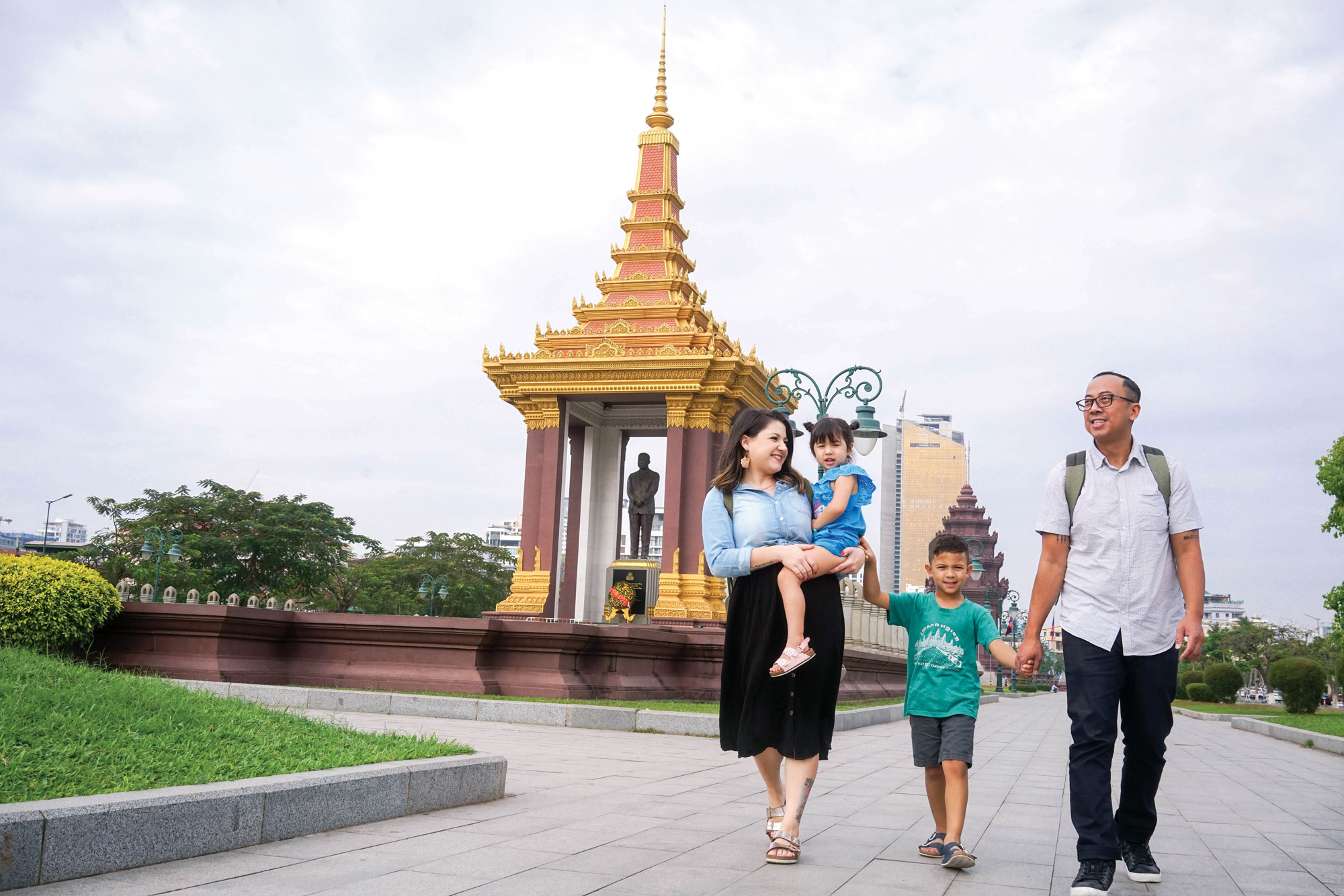 Nikum Pon and family
